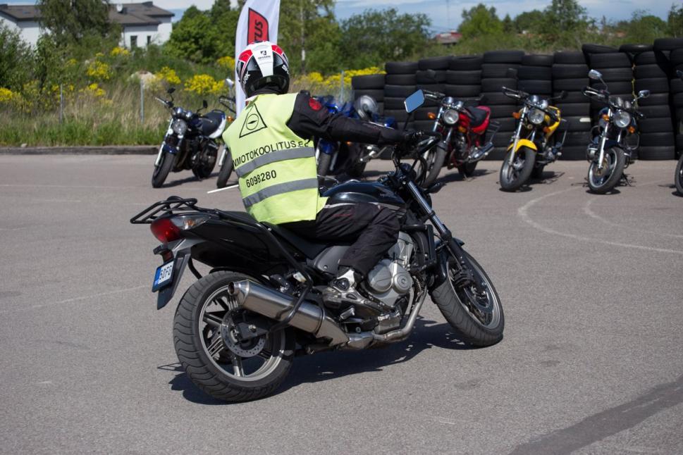 Motokoolitus
