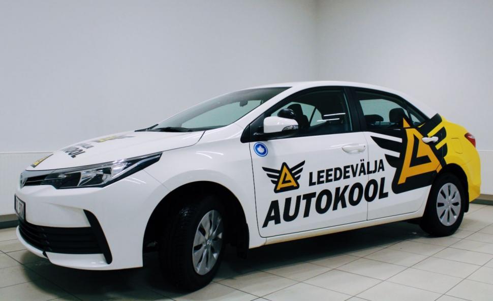 Leedevälja autokool Toyota Corolla, 2017 (manuaal)